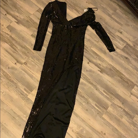 B Darlin Dresses & Skirts - Beautiful black Sequin dress
